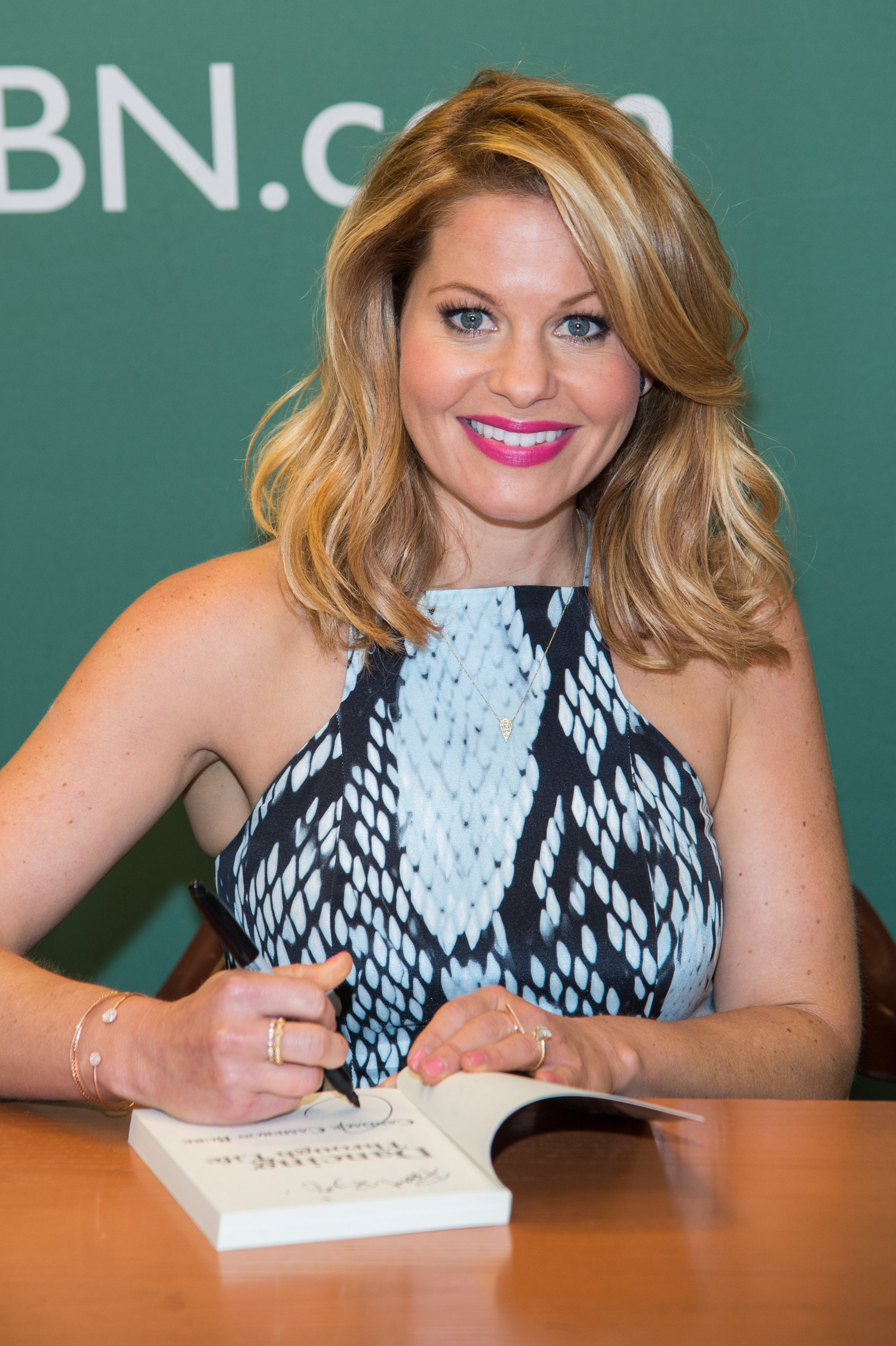 "Candace Cameron-Bure promotes her new book ""Dancing Through Life"" at Barnes & Noble, 5th Avenue on August 5, 2015 