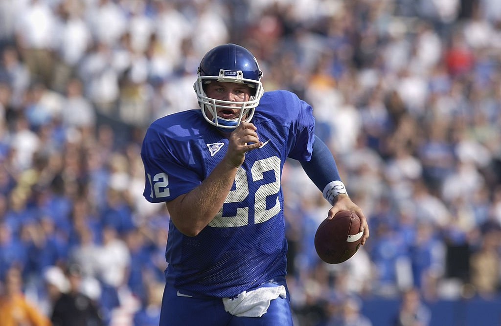 Jared Lorenzen of the Kentucky Wildcats runs with the ball during the SEC football game against the Tennessee Volunteers. Photo: Getty Images/GlobalImagesUkraine