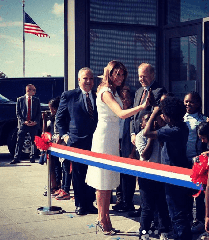 Melania Trump at the opening of the Washington Monument, greeting fourth graders from Amidon Bowen Elementary School, on September 19, in Washington. | Source: instagram.com/flotus