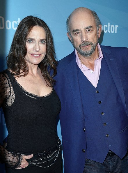 Richard Schiff and Sheila Kelley at Sony Pictures Studios on May 22, 2018 in Culver City, California | Photo: Getty Images