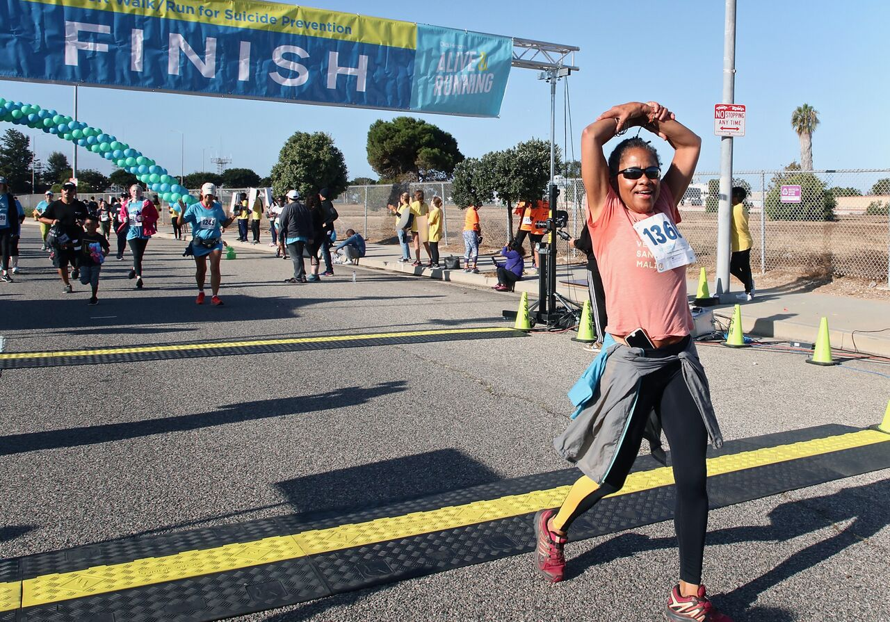 Doria Ragland finishes the 21st Annual Alive And Running 5k For Suicide Prevention in Los Angeles, California | Photo: Getty Images