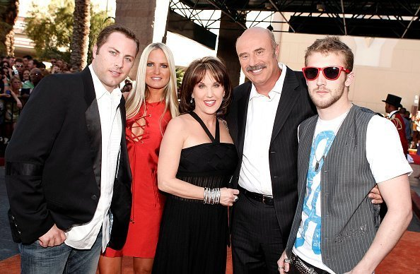 Jay McGraw, Erica Dahm, Robin McGraw, Dr. Phil, and Jordan McGraw at the MGM Grand Garden Arena on May 18, 2008 in Las Vegas, Nevada. | Photo: Getty Images