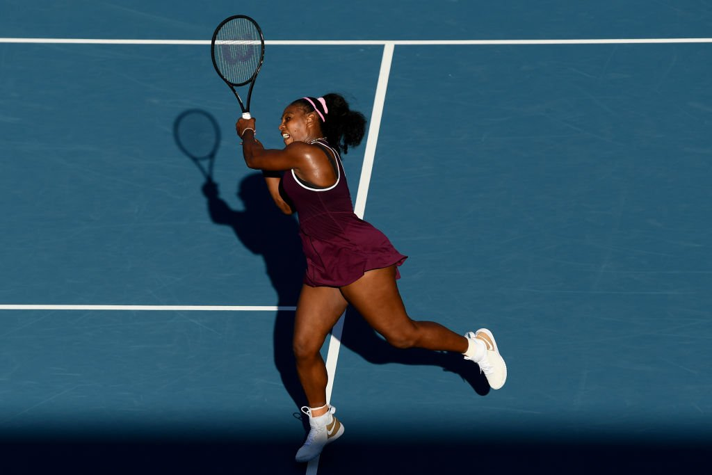 Serena Williams of USA plays a backhand in her singles final match against Jessica Pegula of USA at ASB Tennis Centre | Photo: Getty Images