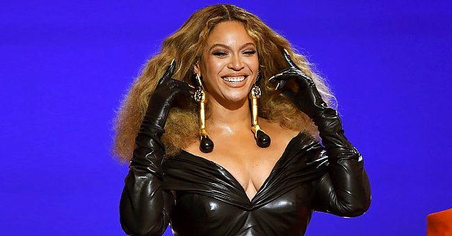 Beyoncé Leaves Fans in a Frenzy at the Grammys in Leather Dress & Gloves With Gold Fingernails