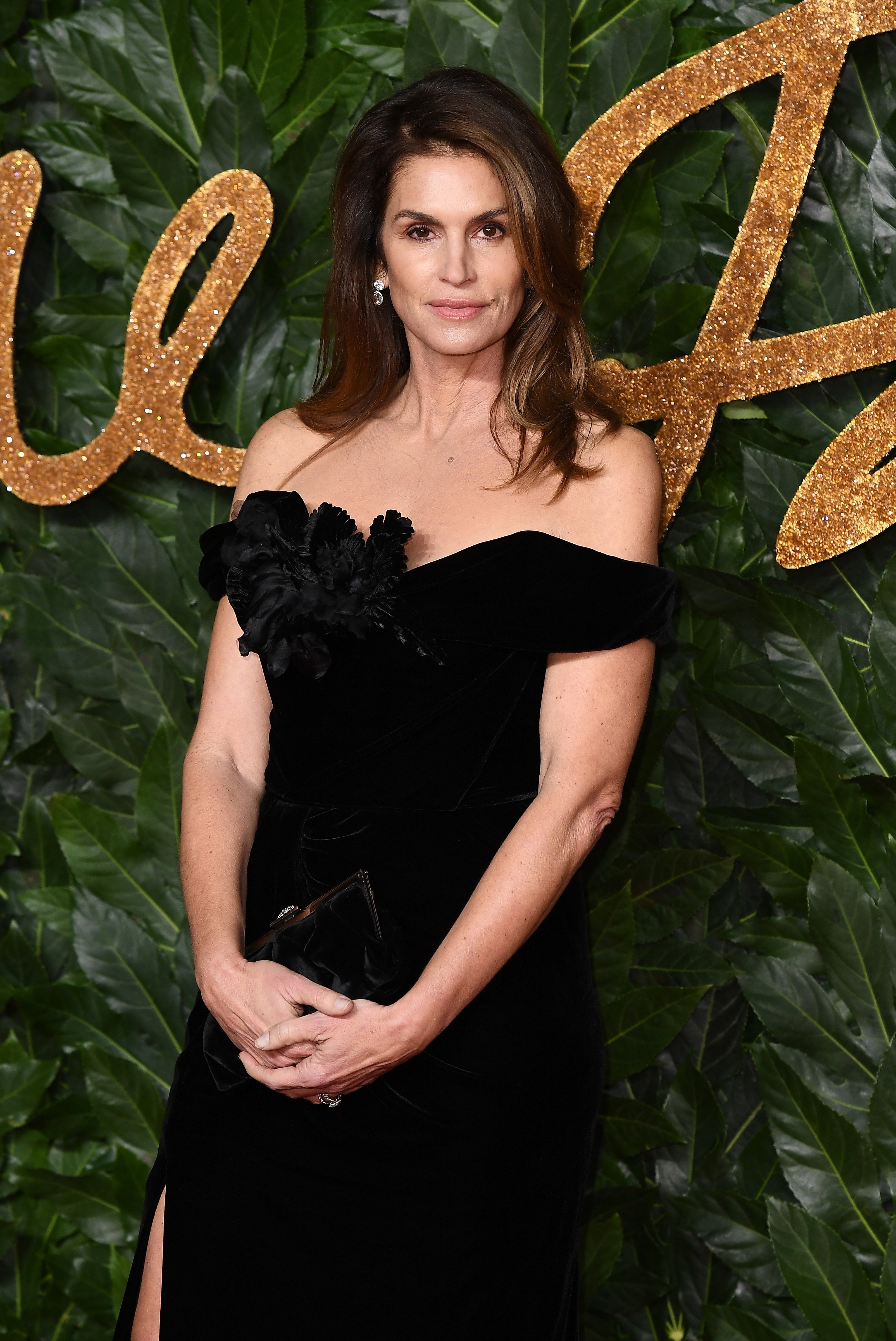 Cindy Crawford arrives attends The Fashion Awards 2018 at Royal Albert Hall on December 10, 2018. | Photo: Getty Images