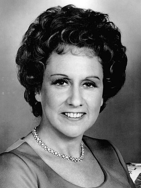 Portrait of Jean Stapleton from the 1977 Tony Awards TV program. | Source: Wikimedia Commons