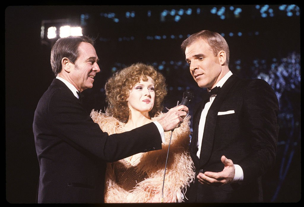 Bernadette Peters, Army Archerd, and Steve Martin pictured at the 53rd Annual Academy Awards. | Photo: Getty Images