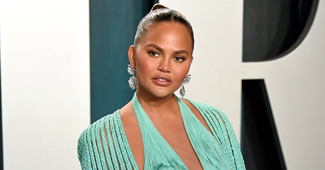 John Legend's Wife Chrissy Teigen Returns to Social Media 2 Weeks after Her Miscarriage