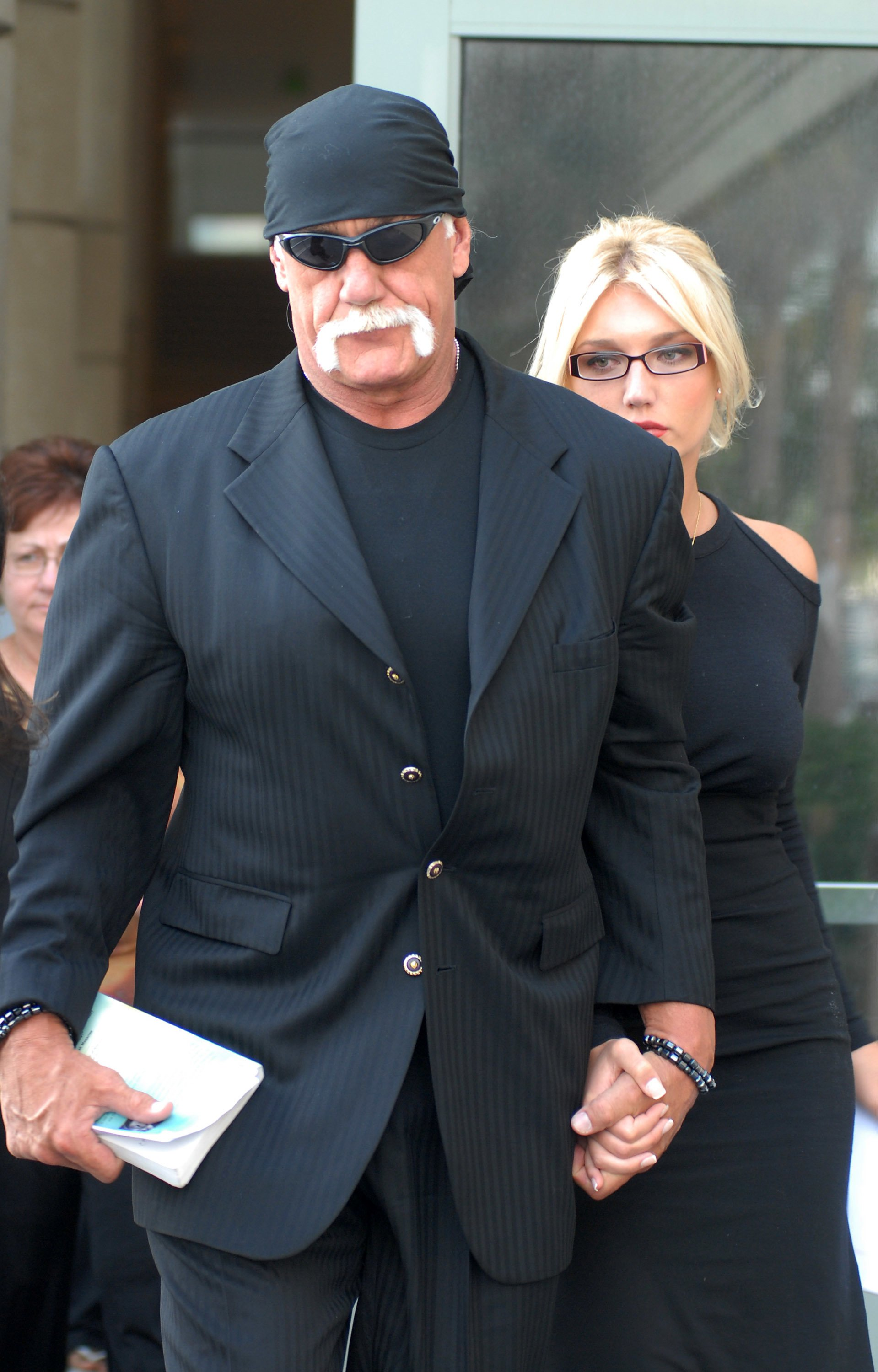 Hulk Hogan and daughter Brooke Hogan on May 9, 2008, in Clearwater, Florida | Photo: Tim Boyles/Getty Images