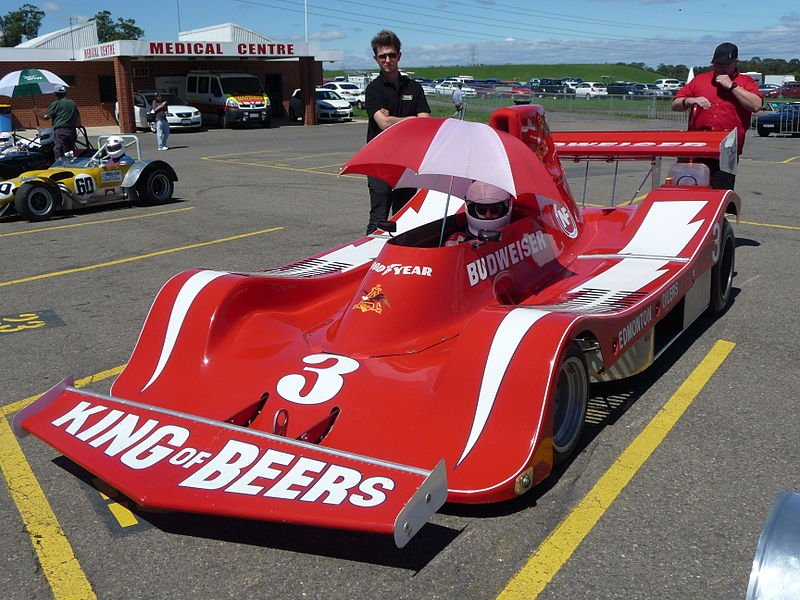 Paul Newman racing  a Spyder NF Can-Am race car from 1979   Source: Wikimedia