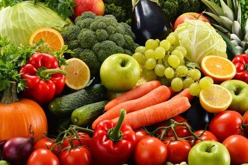 des fruits et des légumes : Photo / Shutterstock