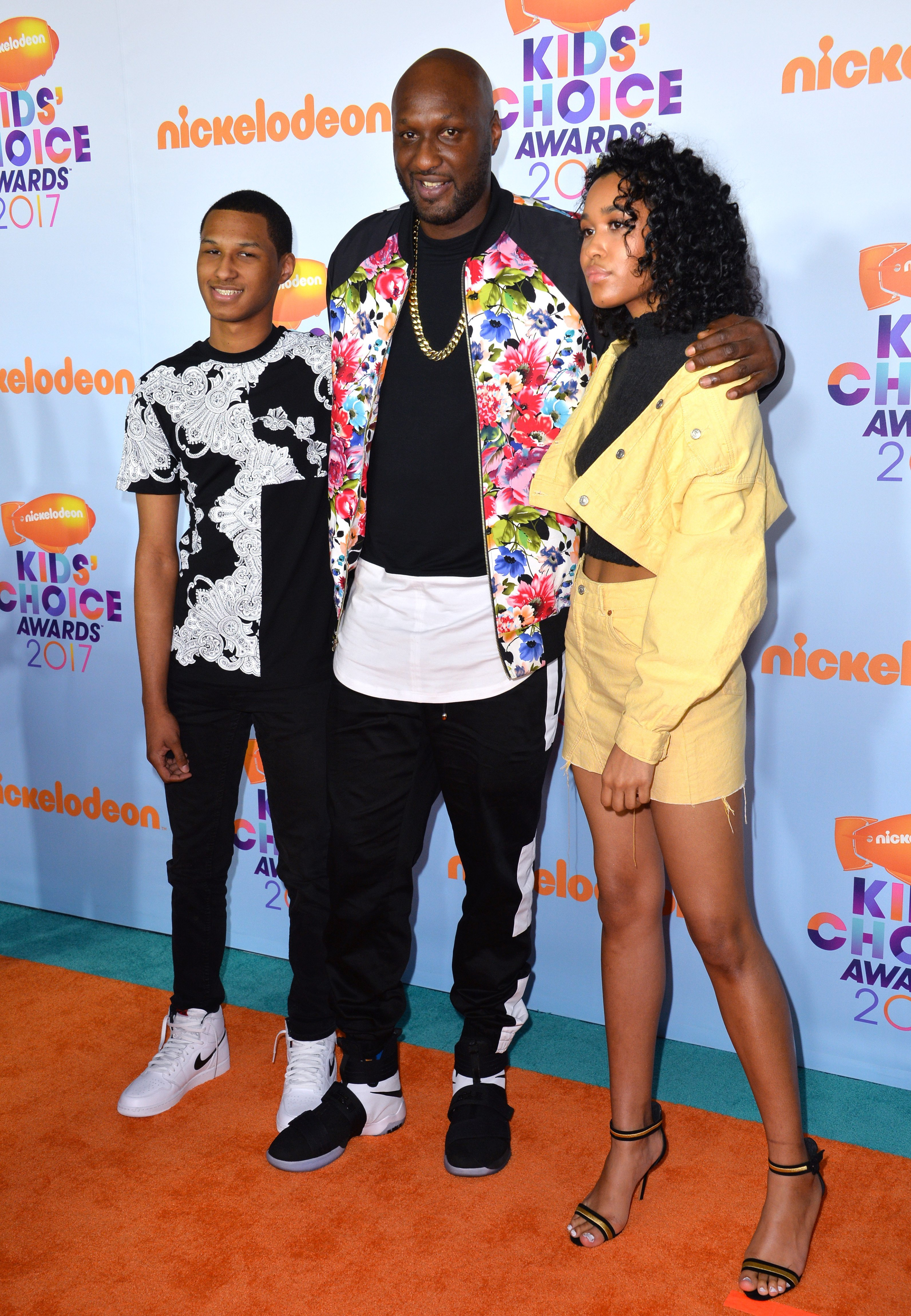 (L-R) Lamar Odom Jr., Lamar Odom, & Destiny Odom at the Nickelodeon Kids' Choice Awards on Mar. 11, 2017 in Los Angeles | Photo: Shutterstock