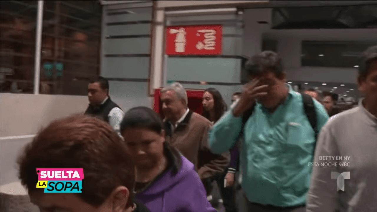 AMLO siendo entrevistado en el aeropuerto / Imagen tomada de: YouTube / Suelta la Sopa