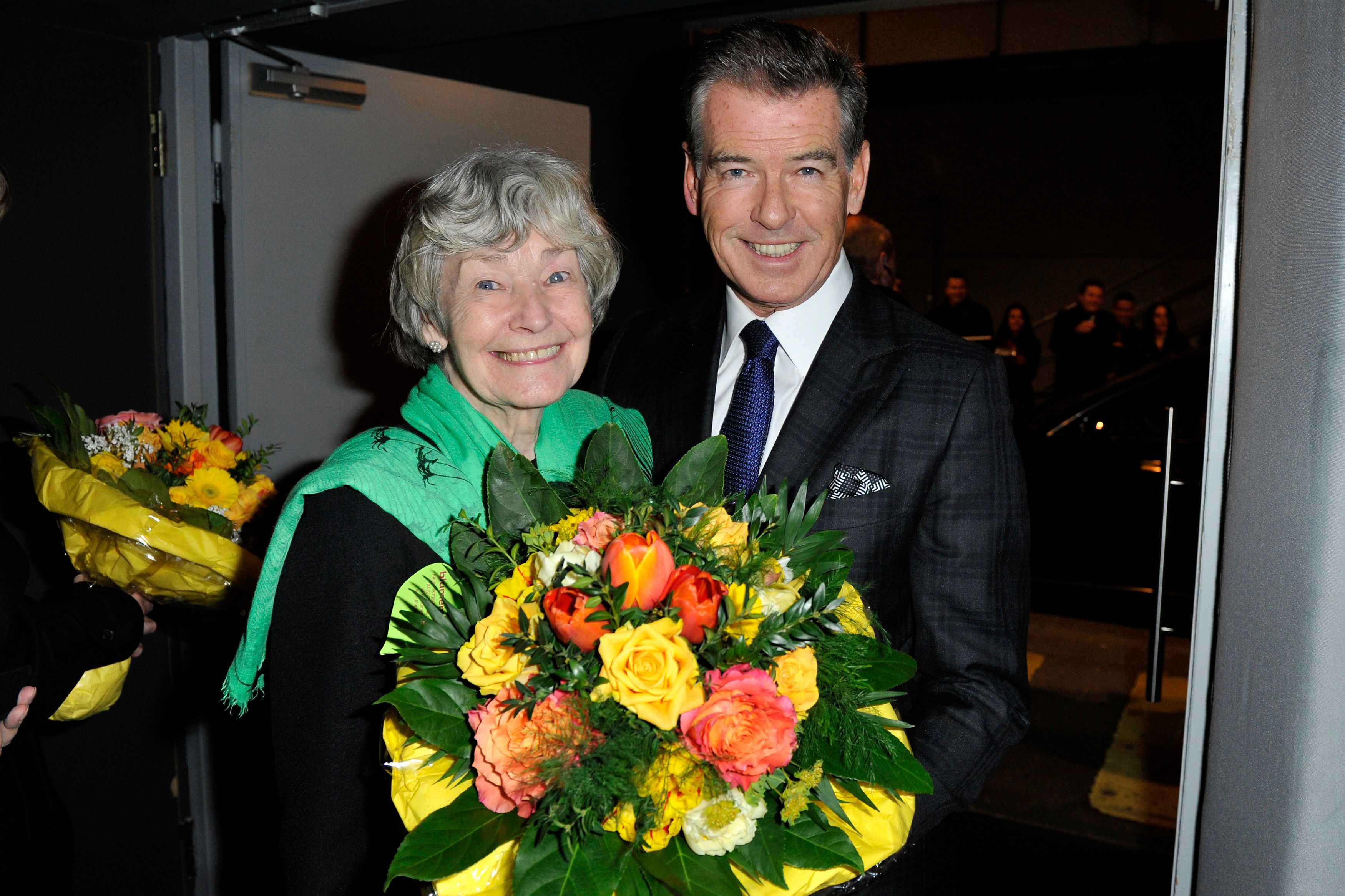 Pierce Brosnan and his mother Mary Carmichael pose after the Zurich Premiere of 'A Long way down' at Kino Corso on February 11, 2014 | Photo: Getty Images