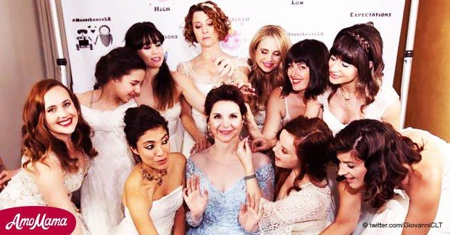 Inusual código de vestimenta: piden a sus invitados usar vestidos de novia y disfraces en su boda