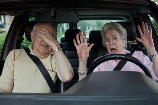 A woman driving her husband / Photo: Getty Images