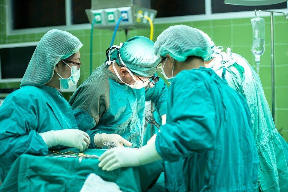 Médicos. | Foto: Pixabay