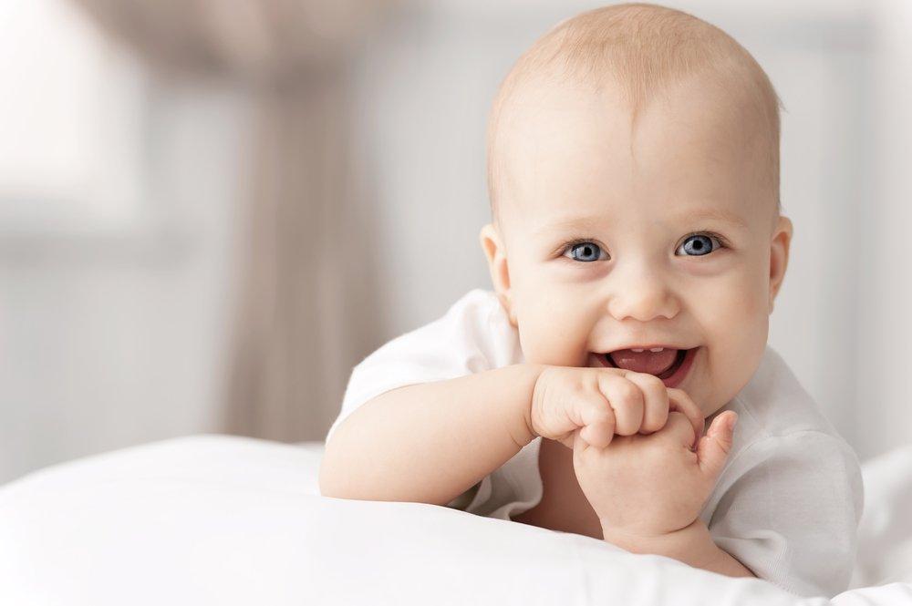 Lächelndes Baby | Quelle: Shutterstock
