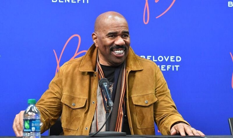 Steve Harvey attends a press conference | Source: Getty Images/GlobalImagesUkraine
