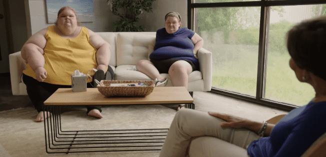 """The Slaton sisters talking to a therapist for an episode of """"1000-lb Sisters"""" uploaded to YouTube on January 18, 2021 