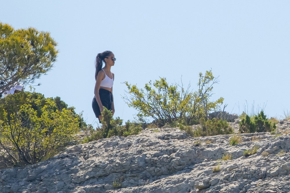 Malia Obama on a hike in France on June 18, 2019   Photo: Hollywood Life