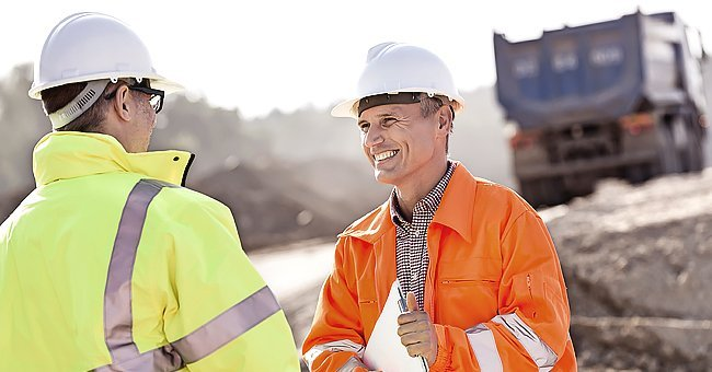 Two construction engineers on a work site | Photo: Shutterstock