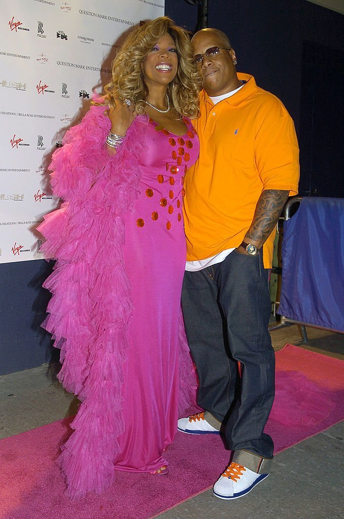 Wendy Williams and husband pose at the release party for Wendy Williams Brings The Heat, Vol. 1 at Quo | Photo: Getty Images
