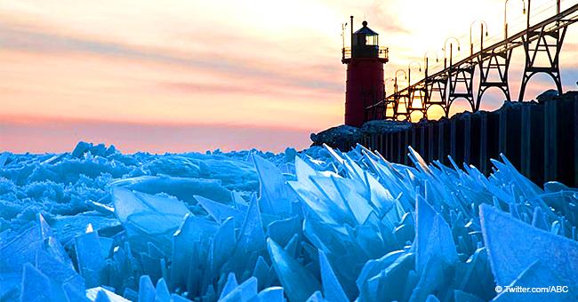 Photos incroyables du lac Michigan : pourquoi le vortex polaire le brise, le couvrant avec des tessons de glace
