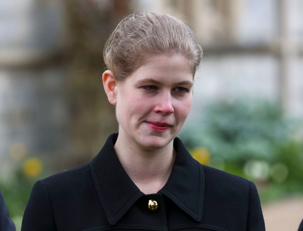 Lady Louise Windsor assiste au service du dimanche à la chapelle royale de Tous les Saints, à Windsor, à la suite de l'annonce le vendredi 9 avril de la mort du prince Philip, duc d'Édimbourg, à l'âge de 99 ans, le 11 avril , 2021 à Windsor, en Angleterre. | Photo : Getty Images