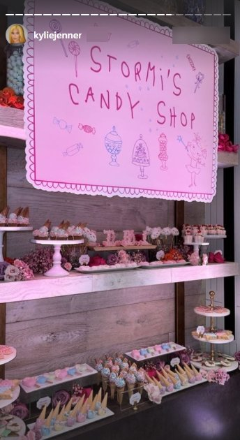 A picture of Stormi's candy shop for her birthday celebration. | Photo: Instagram/Kyliejenner