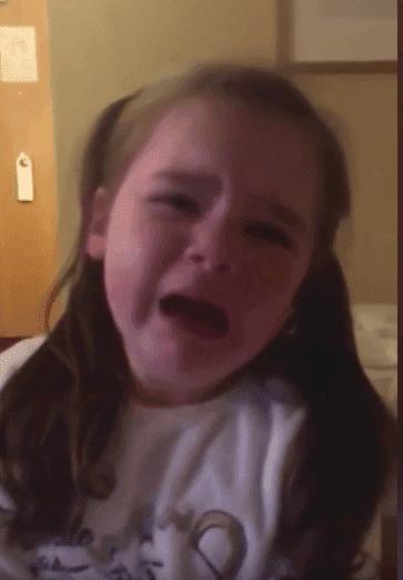 Une fille qui pleure | Photo :  Facebook/Leanne Dunleavy