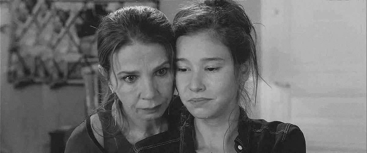"""""""Clem"""" : Pourquoi Victoria Abril et Léa Lopez ont-elles quitté le show?"""