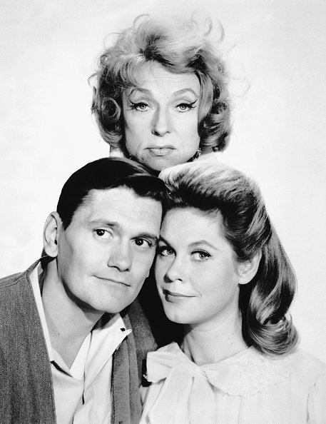 """Actress Agnes Moorhead, Elizabeth Montgomery, Dick York on the set of """"Bewitched"""" 