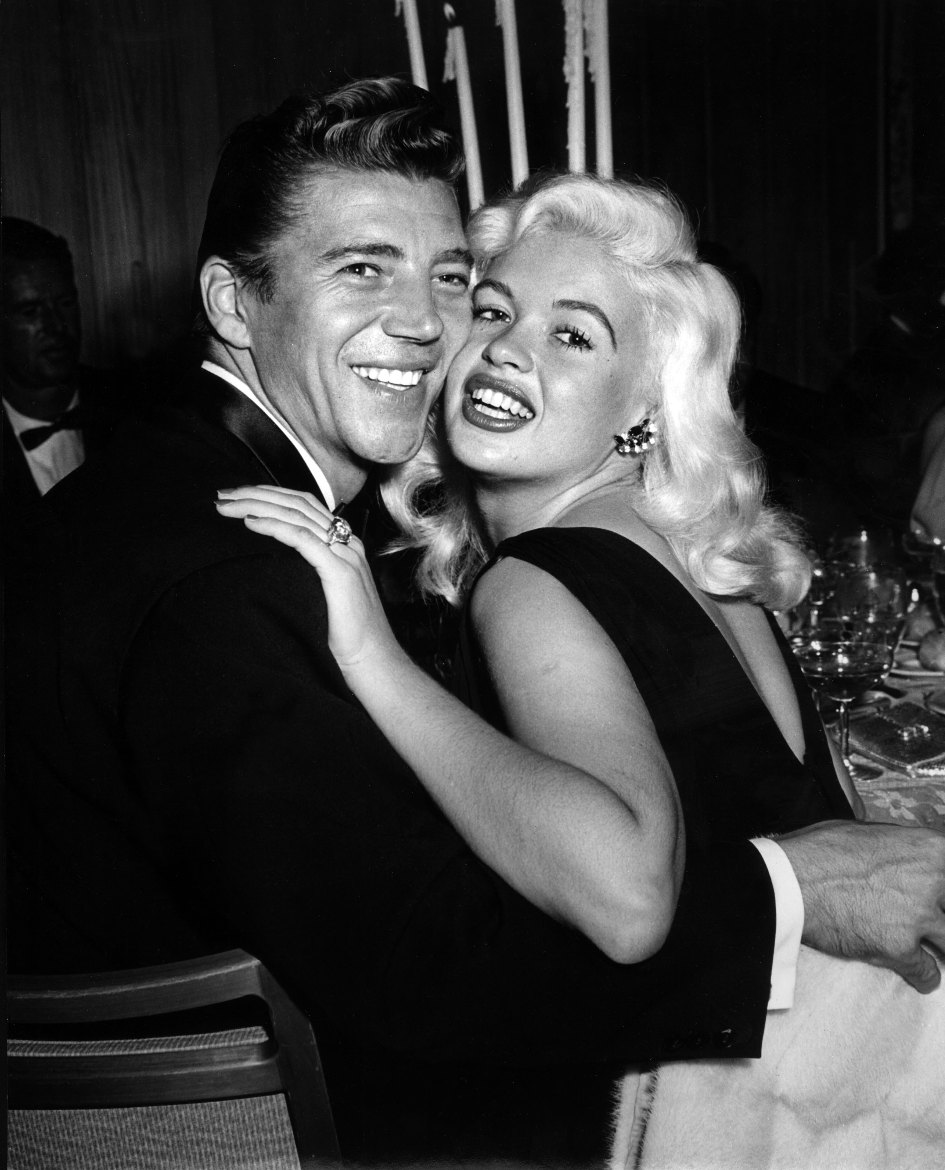 Jayne Mansfield and her husband Mickey Hargitay, March 1, 1959 | Photo: GettyImages