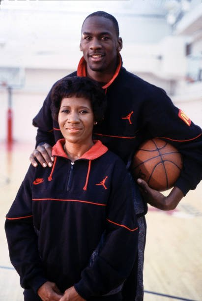 """Michael Jordan and Deloris Jordan appear On """"Superstars And Their Moms"""" in 1988. 