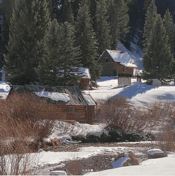 A picture of a cabin that Marla Maples and Tiffany Trump enjoyed in Telluride near Colorado, December 2020.   Photo: Instagram/ Marla Maples.