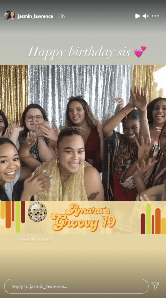 Martin Lawrence's daughter Amara with her sisters and friends on her 19th birthday. | Photo: Instagram/Jasmin_lawrence