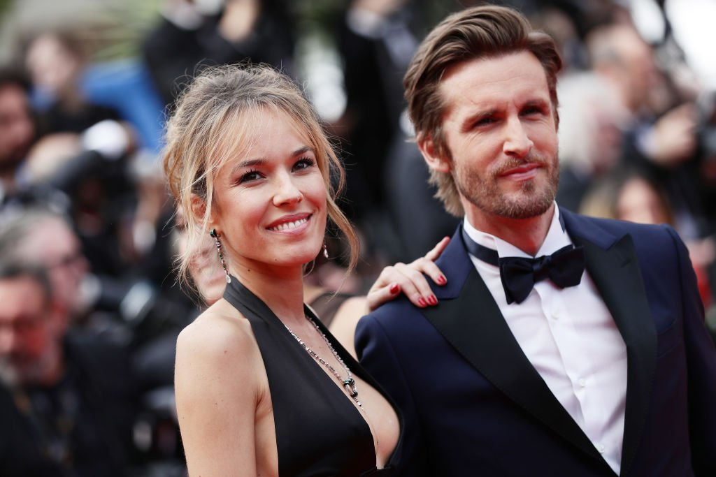 La comédienne Élodie Fontan et son compagnon. l Source : Getty Images