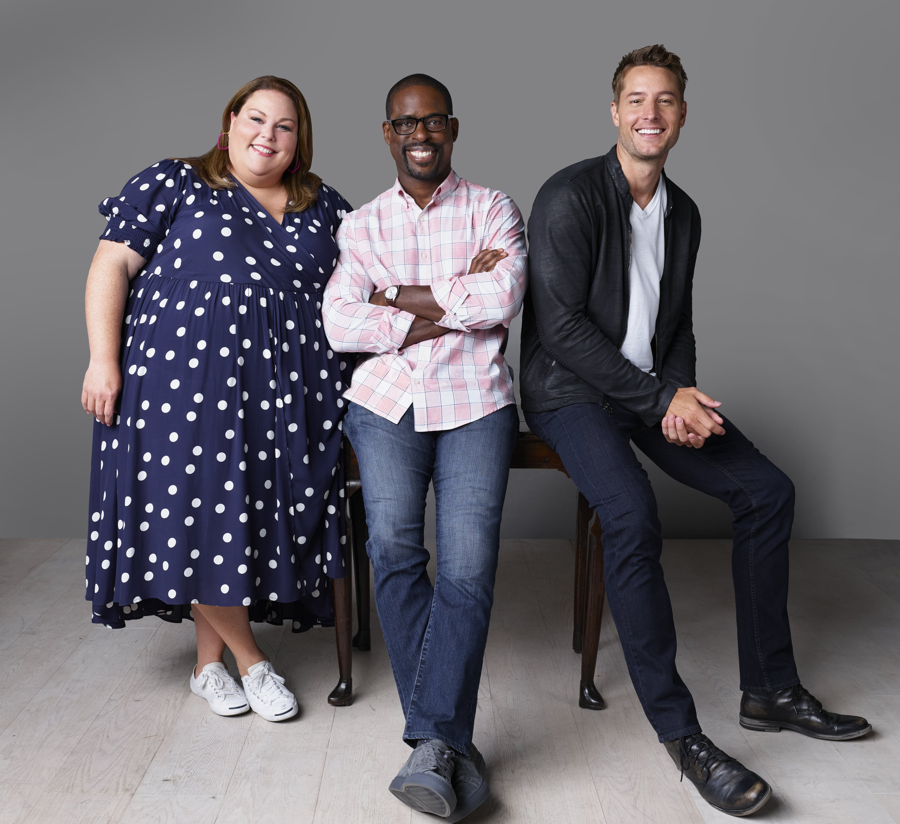 THIS IS US -- Season: 4 -- Pictured: (l-r) Chrissy Metz as Kate Pearson, Sterling K. Brown as Randall Pearson, Justin Hartley as Kevin Pearson | Photo: GettyImages