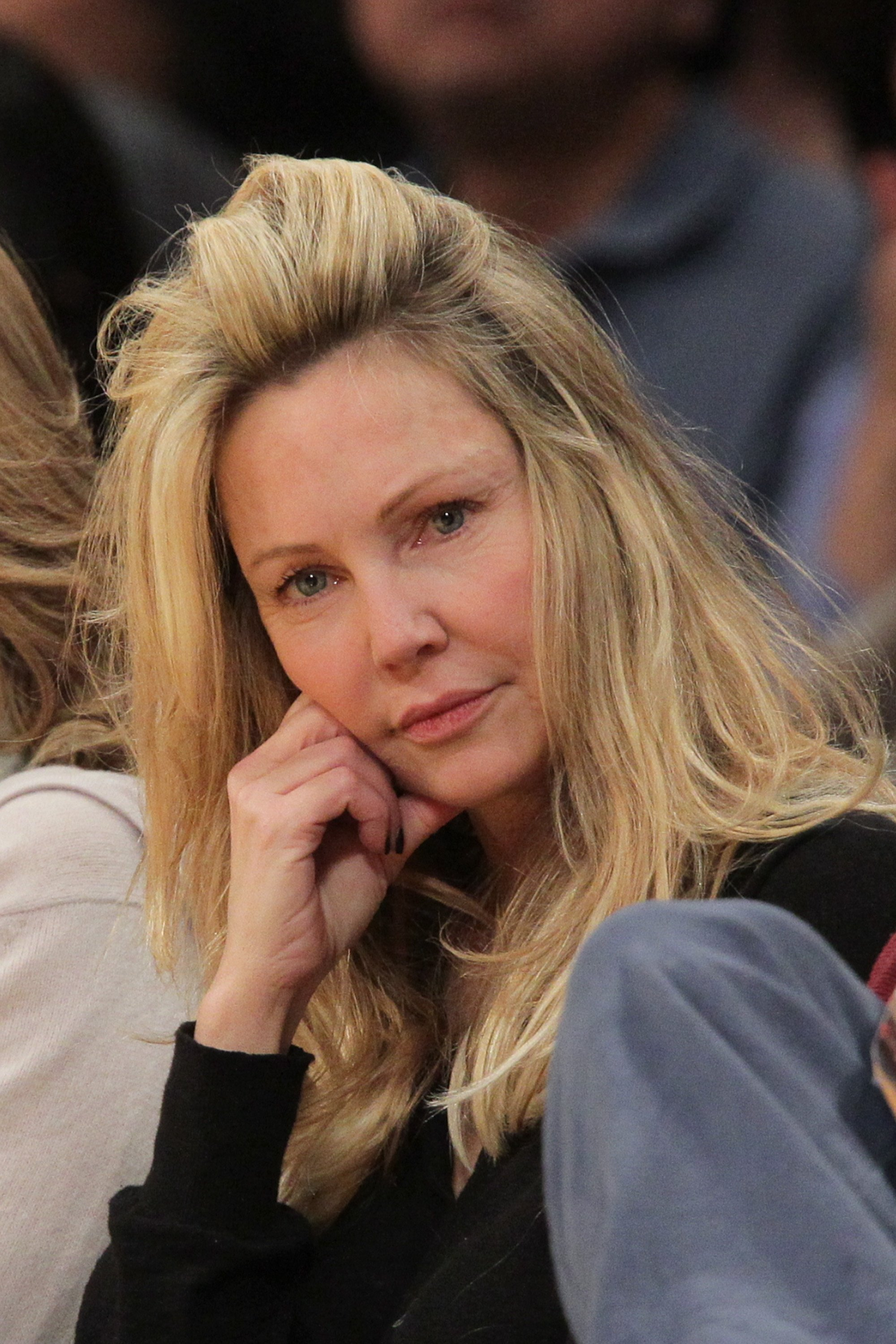 Heather Locklear at an NBA match between the Phoenix Suns and the Los Angeles Lakers in 2012 | Photo: Getty Images