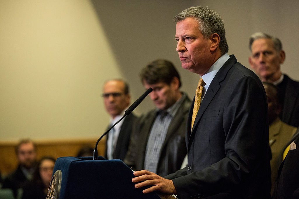 New York City Mayor Bill de Blasio speaks after a grand jury decided not to indict New York Police Officer Daniel Pantaleo in Eric Garner's death | Photo: Getty Images