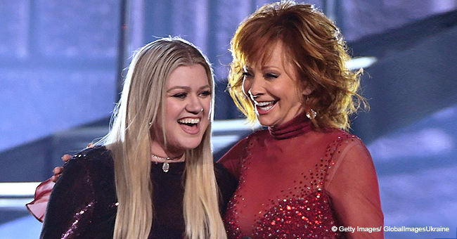 Reba McEntire Shed a Light on How She Deals with Her Famous Relative Kelly Clarkson