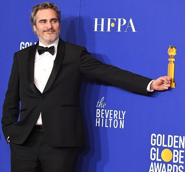Joaquin Phoenix poses in the press room at the 77th Annual Golden Globe Awards on January 05, 2020 | Photo: Getty Images