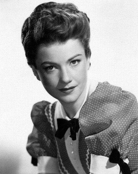 Portrait of American actress Anne Baxter in the film A Ticket to Tomahawk. USA, 1950 | Photo: Getty Images