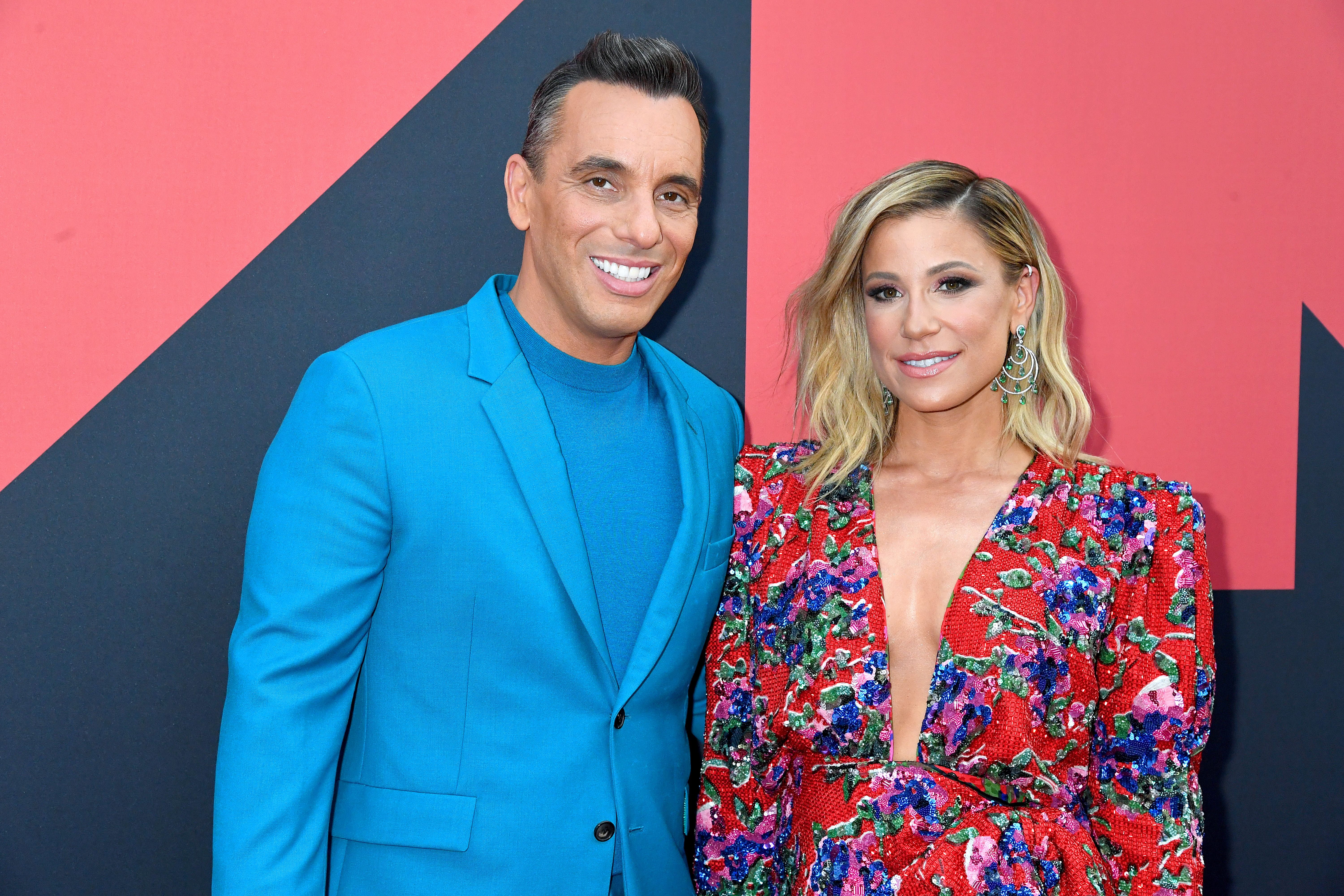 Sebastian Maniscalco and Lana Gomez at the 2019 MTV Video Music Awards in 2019 in Newark, New Jersey | Source: Getty Images