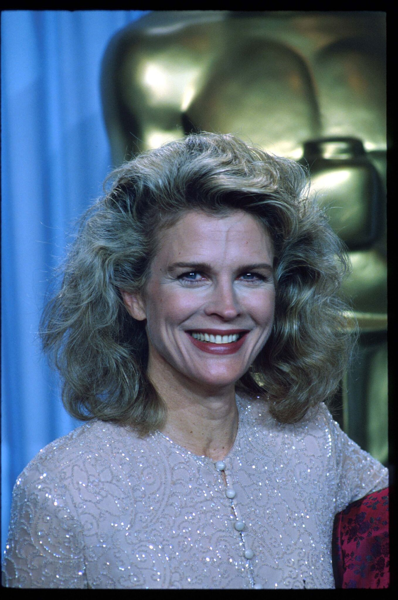 Candice Bergen stands backstage during the 62nd Academy Awards ceremony | Getty Images