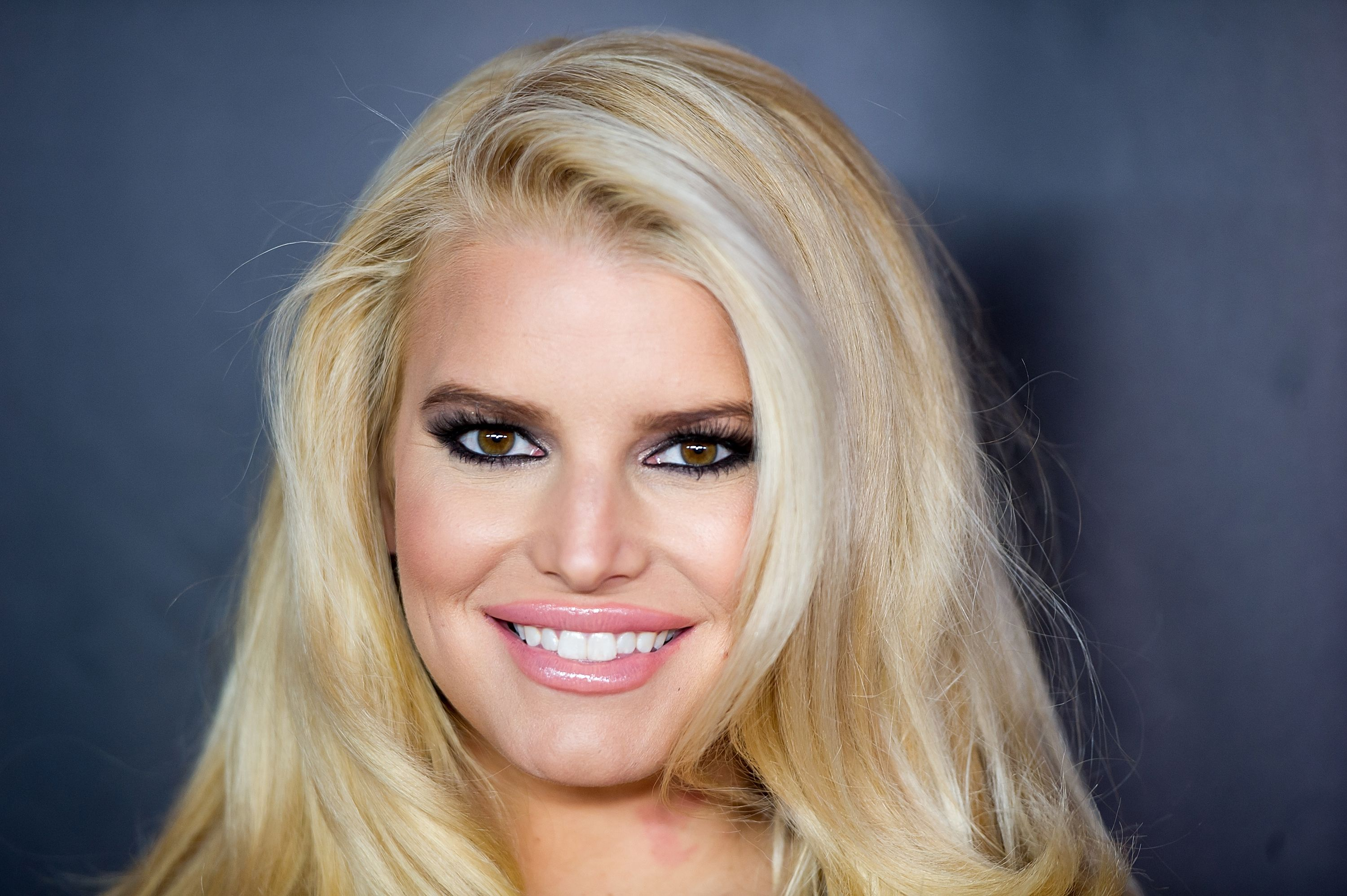 Jessica Simpson during the 27th Annual Footwear News Achievement Awards at the IAC Building on December 3, 2013. | Source: Getty Images