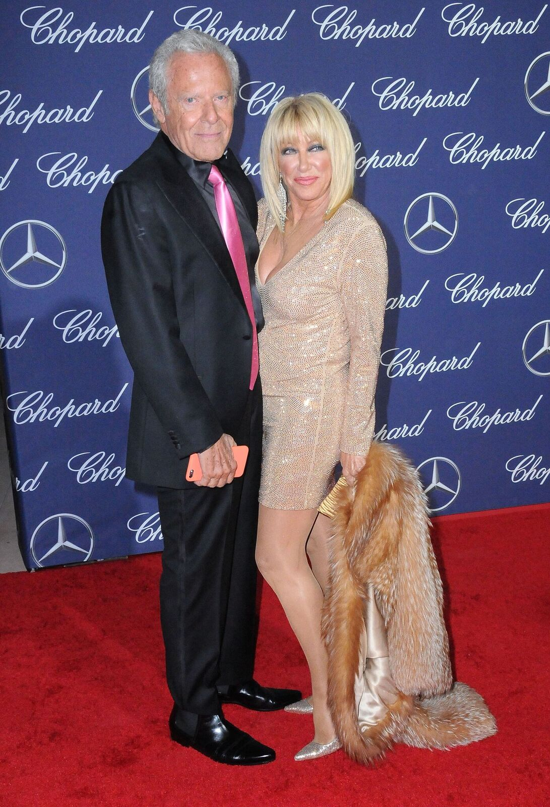 Actress Suzanne Somers (R) and husband Alan Hamel (L) attend the 28th Annual Palm Springs International Film Festival Film Awards Gala at the Palm Springs Convention Center on January 2, 2017 in Palm Springs, California | Photo: Getty Images