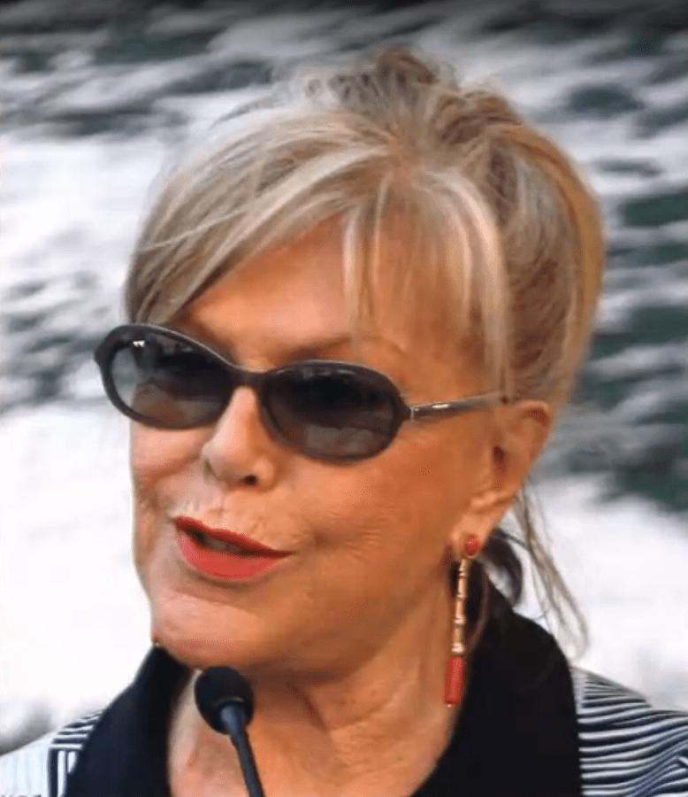 Teresa Gimpera, famosa actriz española de cine y televisión. | Imagen: YouTube/ai.pictures Español