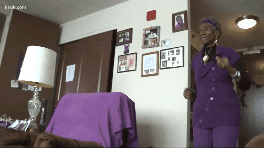 The retired substitute teacher walks 3,000 steps every day and counts them with a Fitbit. | Photo: YouTube/ KSDK News